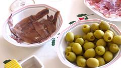Dinar a casa de la Remei (encantadisimo) Tags: anchoas olivas