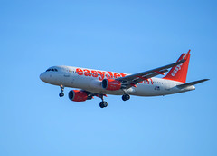 Airbus A320-214 EasyJet (Miguel Ángel Prieto Ciudad) Tags: airbus airline aircraft aviation jet air flying fly easyjet spotting sonyalpha alpha3000 airport