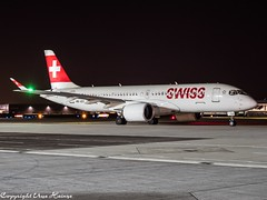 Swiss HB-JCC HAJ at Night (U. Heinze) Tags: aircraft airlines airways airplane airport planespotting plane flugzeug haj hannoverlangenhagenairporthaj eddv night nightshot olympus omd em1markii 12100mm