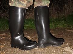 I needed to Nora (essex_mud_explorer) Tags: nora noradolomite noradolomit dolomit dolomite wellies wellingtons wellingtonboots welly gumboots rainboots rainwear gummistiefel rubberboots rubberlaarzen bottes camotrousers camo camouflage