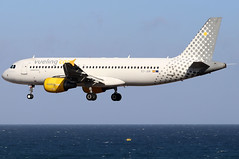 EC-JGM_01 (GH@BHD) Tags: ecjgm airbus a320 a320200 a320214 vueling vuelingairlines arrecifeairport lanzarote vy vlg aircraft aviation airliner ace gcrr arrecife