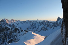 L'aiguille du midi. 3842m Chamonix (Stefho74) Tags: aiguilledumidi chamonix compagniedumontblanc montblanc hautesavoie frenchalps topofeurope lavalléeblanche le pas dans vide montagne sommetsenneigésneigeéternelle