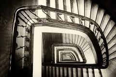 Free Fallin' (i Spot) Tags: valencia ateneo de valència stairs spiral staircase black white sepia down