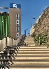 Stufen zur Glückseligkeit (Peter Schüler) Tags: stufen steps shadows schatten bochum flickr peterpe1