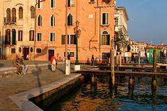 Venezia / San Giorgio Maggiore / Late afternoon (Pantchoa) Tags: venise italie europe paysage ville vénétie eau mer sangiorgiomaggiore port quai maisons façades ciel ocres personnes réverbère embarquements