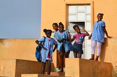 Ecolières Rui Vaz Cap vert _3755 (ichauvel) Tags: écolières filles gilrs sourires smiles école school joie happiness maisoncolorée colorfulhouse ruivaz iledesantiago capvert caboverde afrique africa voyage travel exterieur outside uniforme debout standup