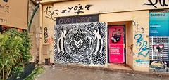 128 Paris Décembre 2019 - en bas de l'avenue Gambetta (paspog) Tags: paris france 2019 décembre december dezember avenuegambetta tags graffitis fresque streetart
