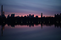 dreaming city (m_laRs_k) Tags: park nyc usa ny 50mm prime manhattan central grand s reservoir z f18 nikon nikkor newyorkcity cityscape backlit sunset z50mmf18s z6 reflection water blues violett violet skyline skyscrapers ньюйо́рк 纽约 centralpark night 2019 december