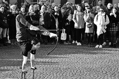 Don't Mess With Cupid (Photographer : Hans Stellingwerf) Tags: amsterdam damsquare stationsplein centralstationsquare streetphotography street nederland netherlands holland mensen people show act