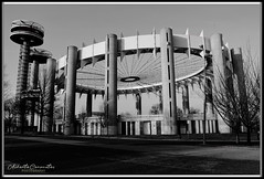 NEW YORK STATE PAVILION. NEW YORK CITY. (Alberto Cervantes Photography.) Tags: newyorkstatepavilion newyork statepavilion queens usa nyc streetphotography photography street tree flushingmeadowscoronapark flushingmeadowspark flushing meadows corona park arquitectura architecture metal skyline landscapes skyscraper cityscapes superbw bw super blackwhite monochrome indoor outdoor blur sky heaven historia history icono iconic luz light color colores colors brillo bright brightcolors photoart art creative photoborder flickrites reflejo reflection nightcolor colorlight ngc streetart