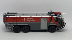Wiking - Rosenbauer Panther 6x6 FLF - ARFF Fire Appliance - Berlin Airport - Miniature Plastic Emergency Services Vehicle. (firehouse.ie) Tags: crashrescue crashtender vigilidelfuoco hasici pompieri pompiers sapeurs sapadores straz bomberos bombeiros brandweer rift rapidinterventionvehicle apparatuses apparatus service dept department arff flughafenfeuerwehr feuerwehr flughafen berlinerflughafen emergency rescue brigade fd appliances appliance fire 6x6 panther rosenbauer flf airport berlin