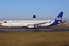 OY-KBH_MAN_301219_KN_196 (JakTrax@MAN) Tags: oykbh sas scandinavian egcc man manchester ringway airport runway 23l airbus a321 321