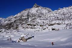 Cà Runcasch (stefano.chiarato) Tags: rifugiocaruncasch sassomoro valmalenco neve alpi montagne paesaggio pentax pentaxk70 pentaxlife pentaxflickraward