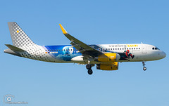 Vueling Airlines (Disneyland Paris Livery) (Guilherme_Martinez) Tags: aircraft airbus airbuslovers adorable sky summer sun sunset follow family followme hobbie holidays hobby hifly show lisboa love lisbon lovers like planespotting passion portugal beautiful best boeing boeinglovers benfica emirates clouds cool