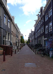 It's all about perspective (Eric Rincker Fotografie) Tags: amsterdam noordholland holland nederland thenetherlands perspectief perspective street straat huizen huis house houses city stad