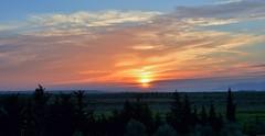 Plaine de Fès (Olivier Simard Photographie) Tags: fès maroc plainedefès saïss saïs plainedusaïss rif soleil soleilcouchant paysage ciel orange horizon fez morocco plainoffez sais plainofthesaïss sun sunset landscape sky