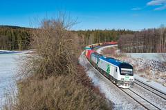Mit Anhang (Korbinian Eckert) Tags: 223 eurorunner baureihe wiesau setg stb steiermarkbahn containerzug container winter siemens oberteich