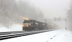 Loving the mountain (GLC 392) Tags: ns 9897 9124 ge c409w d940cw d940w nofolk southern prr pl cpl color position light signal signals snow fog mg altoona pa pennsylvania railroad railway train