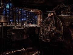 Der Tempel der Lokomotiven (Renate R) Tags: technikmuseum train lokomotive locomotive germanmuseumoftechnology light dark