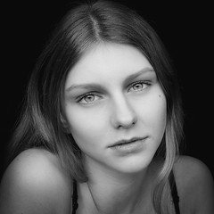 DSCF6360-11 (YouOnFoto) Tags: girl meisje woman vrouw eyes ogen hair haar intens intense black white zwart wit moody lowkey
