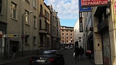 back street@Duisburg, Germany (Amselchen) Tags: germany season ef40mmf28stm pancake winter canoneos6dmarkii street streetphotography city people color light pedestrian lightandshadow