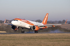 G-UZHA_AirbusA320neo_easyJet_LTN (Tony Osborne - Rotorfocus) Tags: airbus a320 a320neo easyjet united kingdom london luton ltn 2019 neo a320270