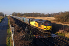 60056 Lostock Gralam 30th December 2019 (John Eyres) Tags: liverpool shadows with ps terminal just heads towards scraping drax biomass plumley 60056 6e09 301219