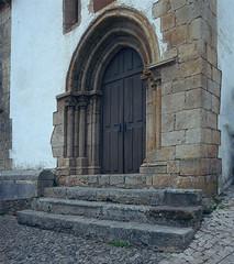 Churches of Óbidos (St. Martin chapel) (lebre.jaime) Tags: portugal óbidos architecture church portal analog mediumformat film120 kodak portra400vc hasselblad 503cx carlzeiss distagon cf4050fle epson v600 affinity affinityphoto