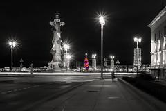 New Year is coming - Новый год близко (Valery Parshin) Tags: canoneos70d sigma1750mmf28exdcoshsm saintpetersburg stpetersburg russia longexposure colorkey blackandwhite