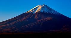 mountfuji mtfuji sunrise japan silhouette (Photo: G · RTM on Flickr)