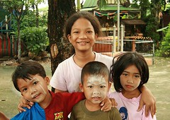 children (the foreign photographer - ฝรั่งถ่) Tags: four children kids khlong thanon portraits bangkhen bangkok thailand ca
