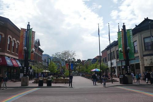 Boulder-centre