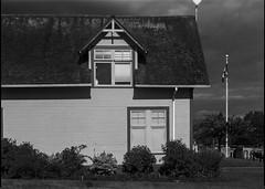 West Vancouver - Film Sinar (Photo Alan back Feb 12) Tags: vancouver canada blackwhite blackandwhite monochrome sinar westvancouver building film filmcamera filmscan largeformat
