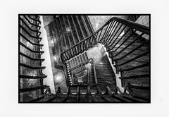 """"""" die Viereckige von oben """" (antonkimpfbeck) Tags: architektur art treppenauge treppe monochrome bw fujifilm"""