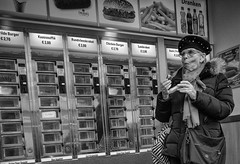 VeryHotSnack (Peter M. Meijer) Tags: ricohgriii rotterdam holland street strada strasse straat callejera people bw bn monochrome 201912 wideangle candid closeup automatiek snackbar