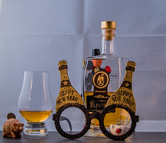 Silvester 2019 (Günter Hentschel) Tags: deutschland germany germania alemania allemagne europa nrw hentschel flickr 2019 dezember2019 12 dezember silvester whisky flasche fete party spas freunde nikon nikond5500 d5500