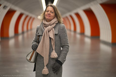 Portrait of Alexandra (ralcains) Tags: vienna wien austria österreich leica leicam m240 summicron 90mm portrait retrato underground ubahn metropolitain metropolitano metro