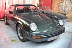 Porsche 911 Carrera 3.0 1977 (Monde-Auto Passion Photos) Tags: voiture vehicule auto automobile cars porsche 911 carrera coupé vert green ancienne classique collection légende vente enchère osenat france fontainebleau