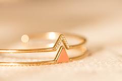 A gift from an adorable friend... (Gisou68Fr) Tags: crazytuesday gift present bracelet métal doré fantaisie bijou bijoufantaisie