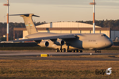 85-0005 United States Air Force Lockheed C-5M Super Galaxy (EaZyBnA - Thanks for 3.500.000 views) Tags: 850005 c5m supergalaxy unitedstatesairforce lockheed c5msupergalaxy lockheedmartin galaxy usaf usairforce usafe usa usairforces usairforcesineurope eazy eos70d ef100400mmf4556lisiiusm europe europa 100400mm 100400isiiusm canon canoneos70d cargo supporter dover 436thairliftwing airforce autofocus aviation airbase air deutschland dep departure airliftwing 436thaw amc airmobilitycommand eaglewing robustumauxilium powerfulsupport doverairforcebase delaware warbirds warplanespotting warplane warplanes wareagles rheinlandpfalz rlp flugzeug ngc nato military militärflugzeug militärflugplatz luftwaffe luftstreitkräfte luftfahrt planespotter planespotting plane jet jetnoise sundowner etar ramstein ramsteinairbase ramsteinmiesenbach airbaseramstein militärflugplatzramstein