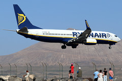 EI-EKW (GH@BHD) Tags: eiekw boeing 7378as ryanair arrecifeairport lanzarote 737 738 737800 b737 b738 fr ryr ace gcrr arrecife aircraft aviation airliner