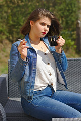 French coffee break (darvoiteau) Tags: fille girl frenchgirl française wooman femme teen teenager model modele shot shooting shoot portrait face position composition visage hair cheveu cheveux oeil yeux eye eyes regard pretty garden park parc jardin chic cool 2019 canon eos 77d 77 d digital fond flou bokeh background picture photo people person personne explore explorer darvoiteau instagram flickr cute beautiful amazing frenchstyle style france europa europe