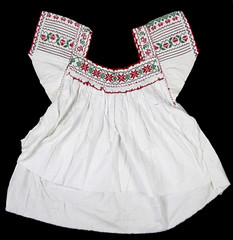 Mexican Blouse Blusa Nahua Textiles (Teyacapan) Tags: museum blusa blouses mexican df cdmx milpaalta ropa clothing embroidery nahua