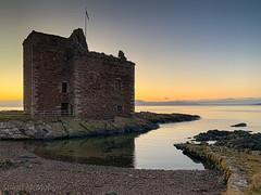IMG_2083_adj (md93) Tags: westkilbride scotland unitedkingdom largs portencross sunset castle clyde