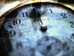 c'est l'heure... (photosgabrielle) Tags: photosgabrielle bonneannée 2020 clock time heure création art snow neige montre macro
