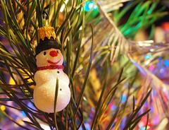 Happy New Year 2020! (kachigarasu PL (busy)) Tags: happynewyear happynewyear2020 olympusem10 olympusm1442mmf3556ez christmas christmastree snowman bałwan 雪だるま bombka takenbywr poznan poznań ポズナン poland polska madeinpoland ポーランド クリスマスツリー ガラス細工 ハンドメイド bokeh