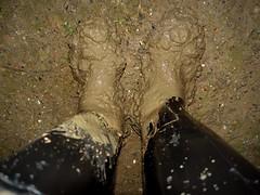 Nora Night (essex_mud_explorer) Tags: nora dolomite dolomit noradolomite noradolomit wellies wellingtons wellington wellingtonboots boots welly pvc rubber rubberboots pvcboots mud muddy matsch schlamm boue bootsinmud welliesinmud gummistiefel gumboots rainboots rubberlaarzen