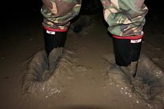 Happiness in Argylls (essex_mud_explorer) Tags: argyll rubber wellington boots rubberboots wellies wellingtons wellingtonboots gummistiefel gumboots rainboots mud matsch schlamm boue welliesinmud bootsinmud