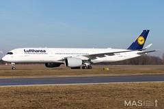 Lufthansa A350-900 D-AIXD @ MUC (MASAviation) Tags: aviation avgeek avion aviator aviationpic aviationphotography avporn aviationdaily aviationpicture spotter spotting munich münchen muc munichairport mucairport mucmoments megaplane
