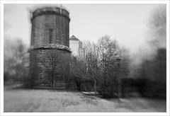 Lensbaby 17 (Outlaw Pete 65) Tags: paesaggi landscapes edifici buildings parco park alberi trees biancoenero blackandwhite nikond750 lensbabycomposersweet35optic brescia lombardia italia